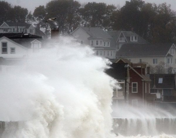 Hurricane-sandy-hits-massachusetts